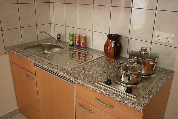 kombiniertes Wohnzimmer mit Küchenecke