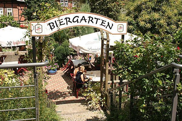 Biergarten - Restaurant - Pension